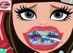 Ever After High Cerise Hood no Dentista