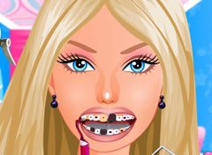 Barbie Precisa ir ao Dentista