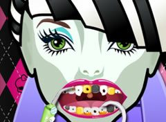 Monster High Frankie Stein no Dentista